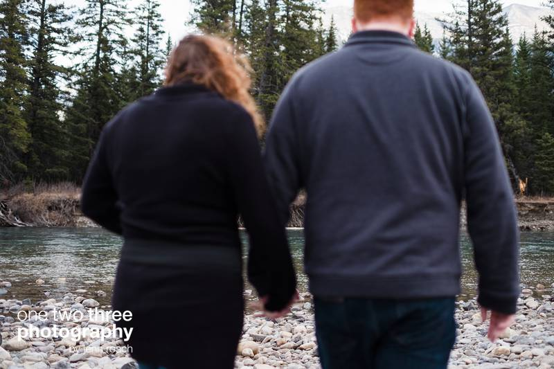 rory-and-keeley-engagement-in-camore-alberta-photo-location-004