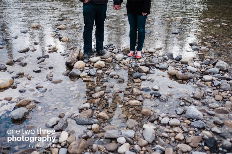 rory-and-keeley-engagement-in-camore-alberta-photo-location-009